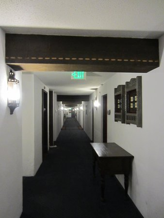 Inn of the Governors: hallway