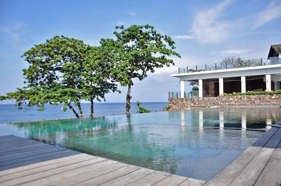 Rajavilla lombok resort beach club senggigi indonesia review kondominium perbandingan - Lombok dive resort ...