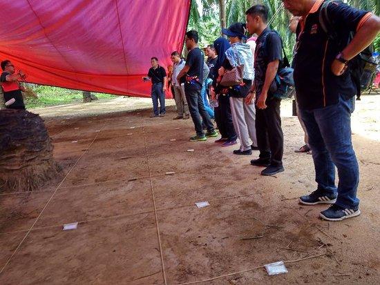 Bedong, Malaysia: Berfungsi sebagai pusat peleburan besi, pelabuhan kapal dagang, ritual keagamaan