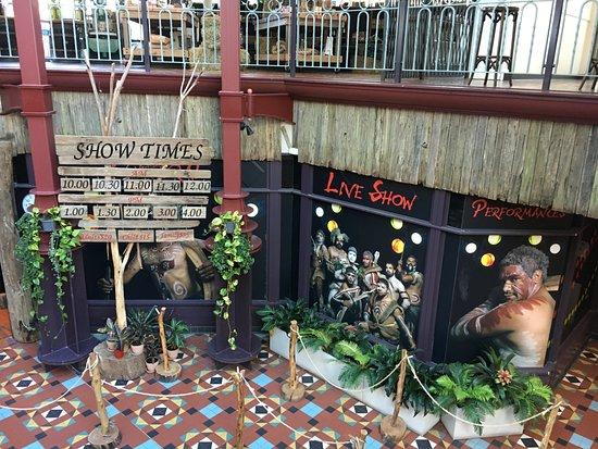 Waradah Aboriginal Centre: ショー会場入り口