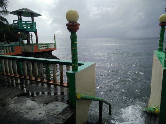 Calayucay, Philippines: stairs leading to the sea