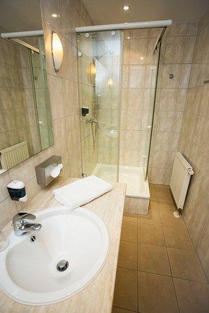 badezimmer mediteran, badezimmer - picture of mediterran hotel juwel, karlstein am main, Design ideen