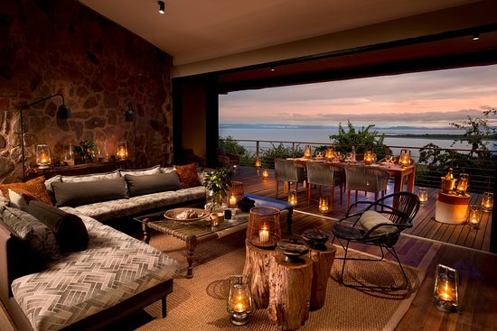 Kariba, Zimbabwe: Baobab Villa- a private double suite and lounge