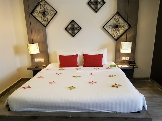 Central Suite Residence: The Most Comfortable Bed Ever