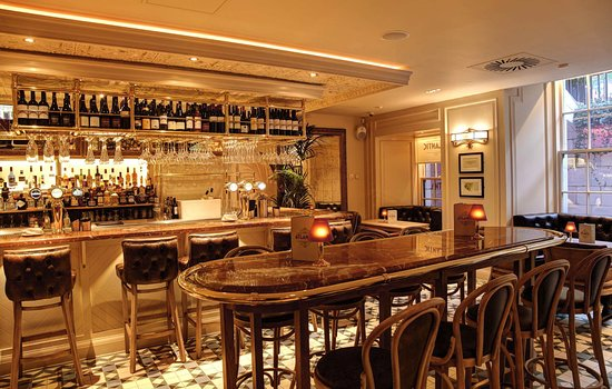 Atlantic Brasserie: Bar Area