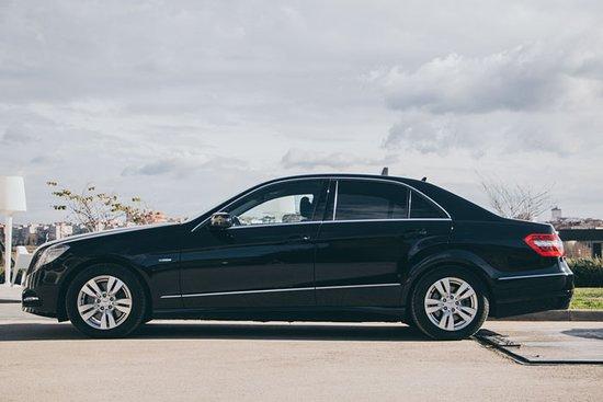 Vilafranca del Penedes, إسبانيا: Vehículos Mercedes Clase E Avantgrade