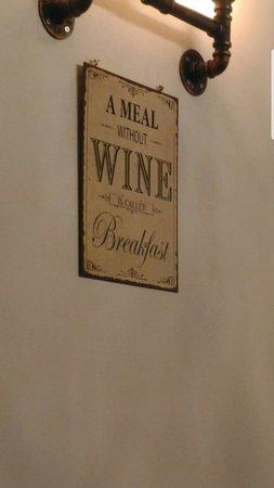 Ita/ Eng Locale piccolissimo.. qualità eccezionale! Small restaurant... great quality!!