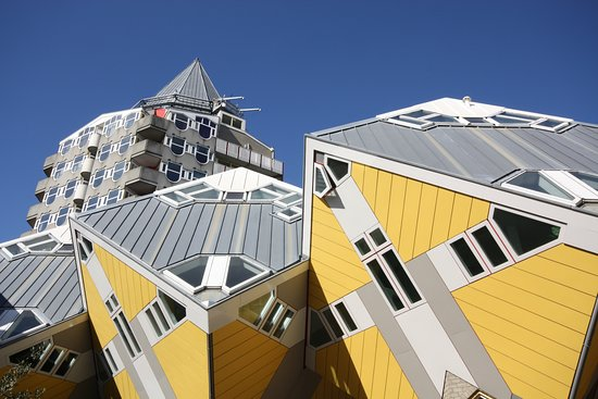 Funenpark in amsterdam picture of architour for Hotel amsterdam cube