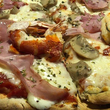 Restaurante biarritz pizza en none con cocina italiana for Pizzeria il tocco