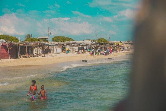 Portmore, Jamaica: hellshire beach- children playing