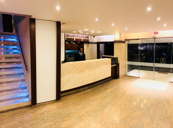 Hotel Nalanda: RECEPTION