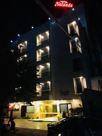 Hotel Nalanda: BUILDING LIGHT
