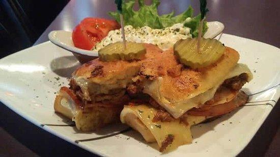 Seaview, WA: Cuban sandwich special