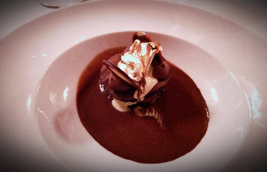 Busca, Itália: Cioccolato, arachidi e oro.