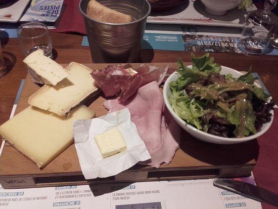 Le Terrasse Café : Plateau Skieur