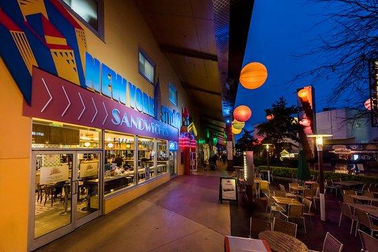 New york style sandwiches marne la vall e restaurant - Hotel seine et marne avec jacuzzi dans la chambre ...