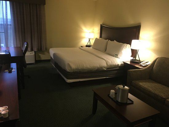 Plainfield, IN: Room 202