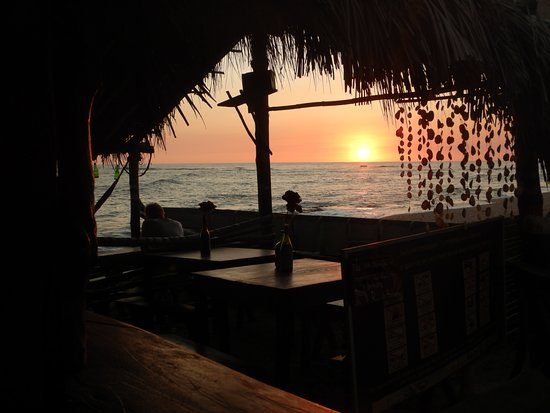 La Ballena Restaurant. Enjoy the most beautiful sunsets in Los Cobanos