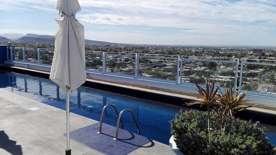 Alberca Del Hotel En La Azotea Una Magnifica Vista Picture Of One