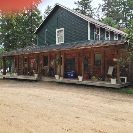 Pine Grove Point Campground: Visit our stocked store and PGP Pizza & Snack Shack
