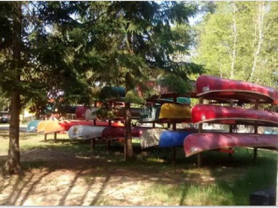 Pine Grove Point Campground: Canoe rentals