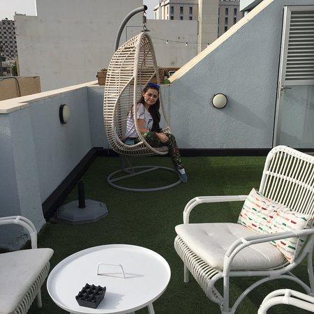 The Port Hotel Tel Aviv: Зона отдыха на крыше отеля