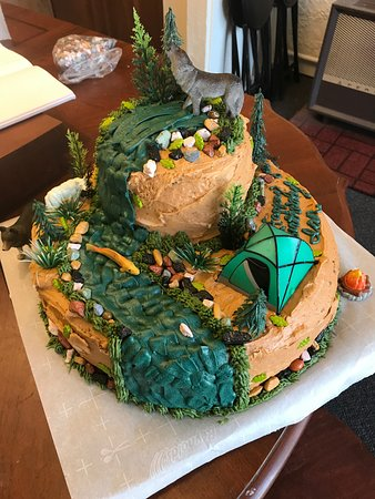 The Cake That Goldminers Helped Decorate With Those River Rocks