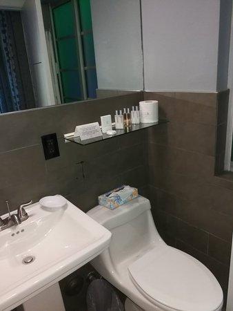 The Kent Hotel: IMG_20180226_210618_large.jpg