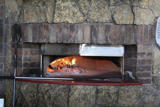 Flatbread Neopolitan Pizzeria: Community Oven