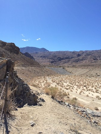 Lake Cahuilla Recreation Area: Dry ravine
