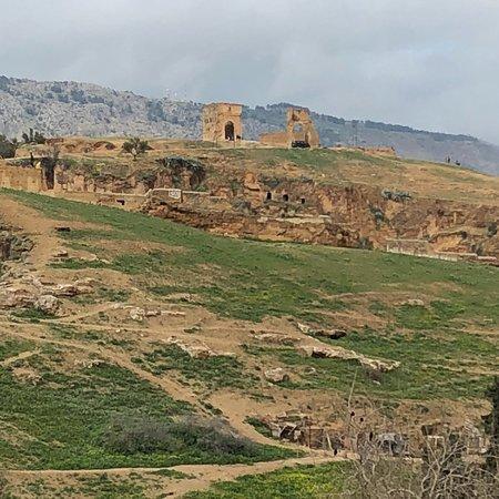 Tombe dei Merenidi : photo0.jpg