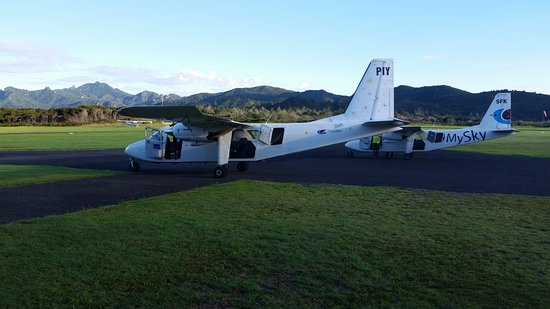 Great Barrier Island, New Zealand: FlyMySky 'airliners'