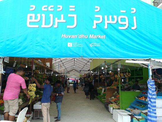 كافو أتول: Local market