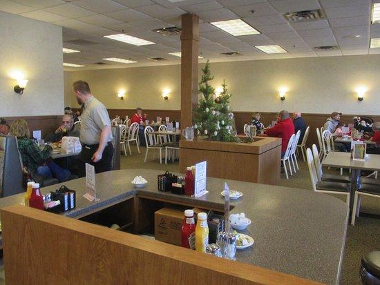 Hinckley, MN: Dining area