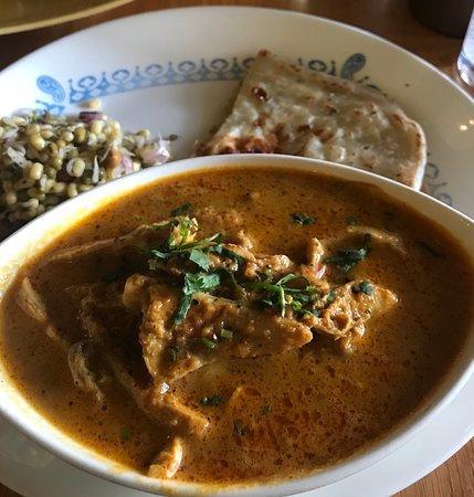Vij's Rangoli: チキンのランチ