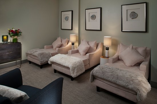 Park City, UT: Unwind between treatments with amble space for lounging.