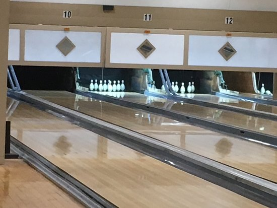 Hamden, CT: Johnson's Duckpin Lanes