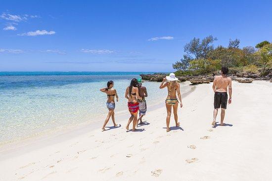 Plage et îlot en Nouvelle-Calédonie