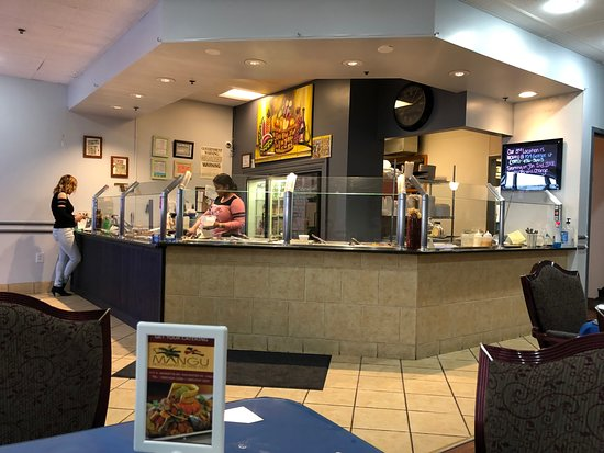 D'Mangu Dominican Restaurant: Friendly service and clean easy to find location.