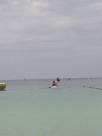 Bombinhas Beach: 20180116_133845_large.jpg
