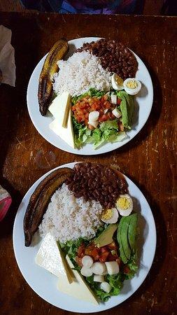 Sabor Tico: Petit restaurant typique , plats copieux, bon et vraiment abordable niveau prix.