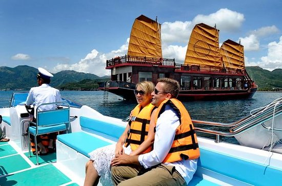 Nha Trang Bay Full-Day Cruise with...