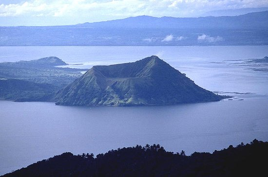 Private Taal Volcano Trekking with...
