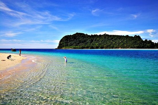 Koh Rok Full-Day Snorkeling Tour by ...