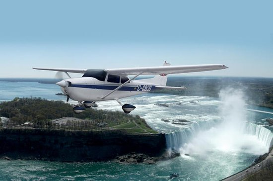 Niagara Falls from Toronto Full-Day Package: Airplane Tour, Boat and...