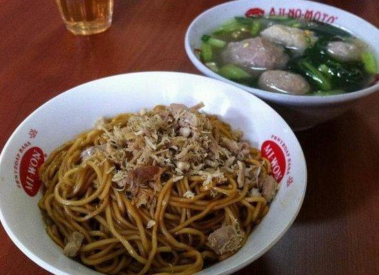 Mie Baso Akung, Bandung - Ulasan Restoran - Tripadvisor