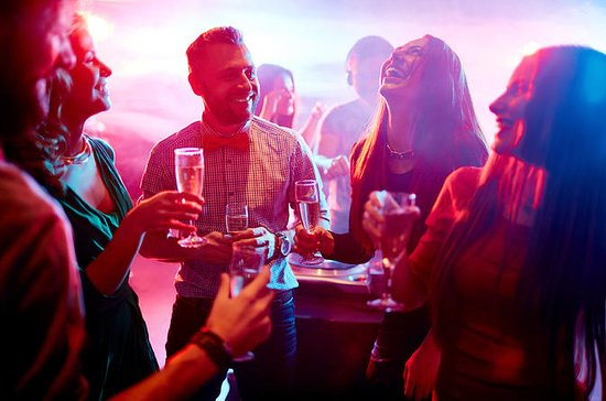 Dublin Pub Crawl with VIP Nightclub Admission Ticket
