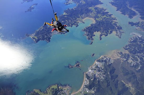 Bay of Islands Skydive from 12,000 ft...