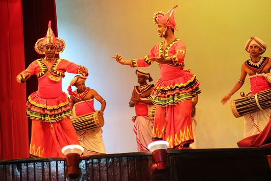 kandyan dancing picture of kandy lake club cultural dance show