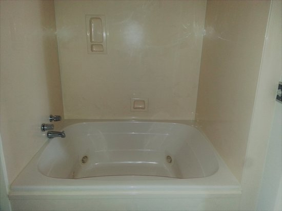 Diamondhead, MS: JACUZZI KING ROOM with 2 person tub